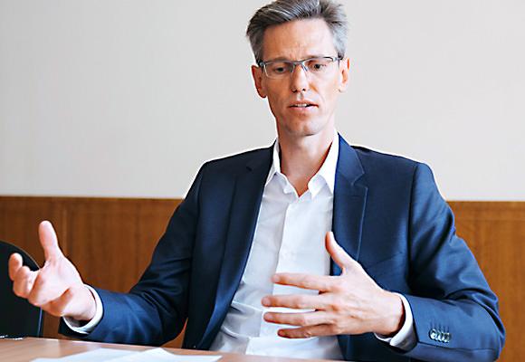 Fulvio Elia, AXA Winterthur
