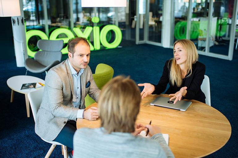 Joël Ben Hamida, CCO, und Franziska Iselin, Head of Sales bei Bexio.