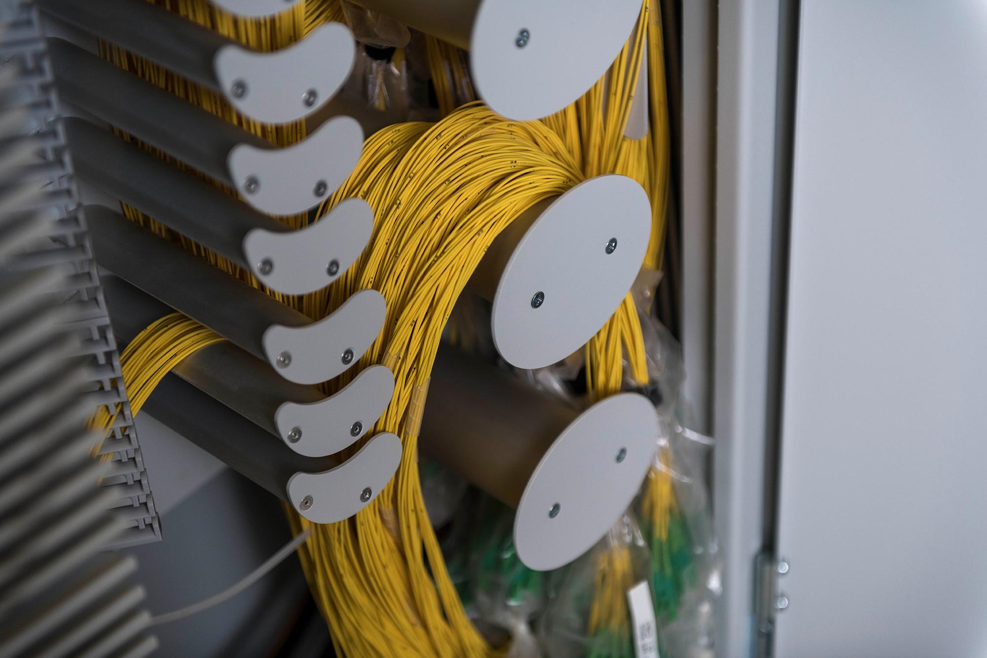 Lignes en fibres optiques venant d'être posées pour l'Internet rapide à Balsthal