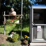 Telefonkabine von Theo Bünzli im Val de Travers.