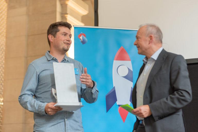 Tomas Sluka, CREAL3D, with Swisscom CEO Urs Schaeppi.